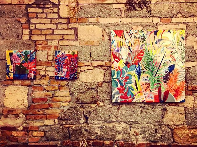 I love this wall . . . . #arts#wall#stonewall#contemporaryart#contemporaryartist#artexhibition#budapest#mik#artgallery#paintings#abstractart#visualart#architectural#interiordesign#decoration#artgallery#artistoninstagram#interiordecor#originalartwork#bevisuallyinspired#walldesign#gallerywall#fineart#artcollector#fanipolonyi