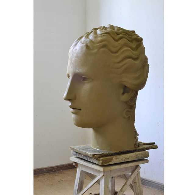 Clay head  #menyusszabo #menyus #whoyouare #woman #clay #budapest #sculpture #art #sculptor #artstudio #head #think #life