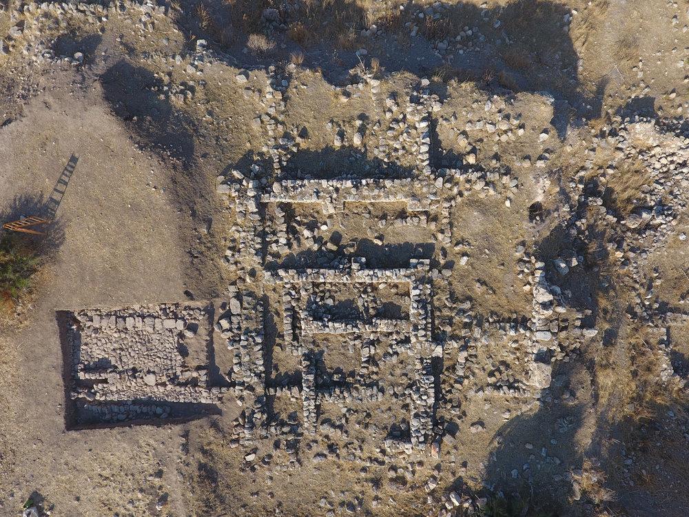 Sondeo A y sector excavado por la EBAF. © José G. Gómez.