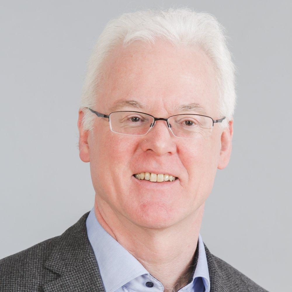 Wolfgang Nejdl ist seit 1995 ordentlicher Professor der Informatik an der Universität Hannover. Promoviert (1988) und habilitiert (1992) hat er an der technischen Universität Wien. Nach seiner Wiener Zeit arbeitete er als Gastwissenschaftler bei Xerox PARC, Stanford University, University of Illinois at Urbana-Champaign, EPFL Lausanne und PUC Rio. Neben seiner Tätigkeit als Geschäftsführender Direktor beim L3S Research Center ist er auch Direktor des Instituts für Verteilte Systeme - Fachgebiet Wissensbasierte Systeme. Seine Forschungsinteressen umfassen Suchabrufe und Informationsgewinnung, Informationssysteme, semantische Webtechnologien, Peer-to-peer Infrastrukturen, Datenbanken, technologiegestütztes lernen und Digitalbibliotheken.