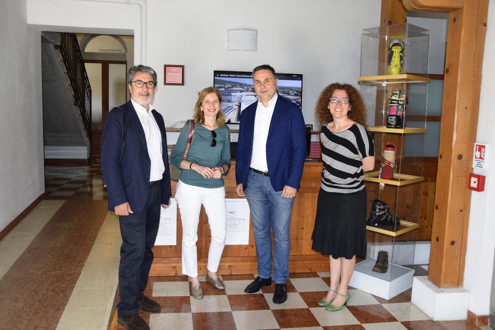 Mattarella_visita_museo_scarpone.png