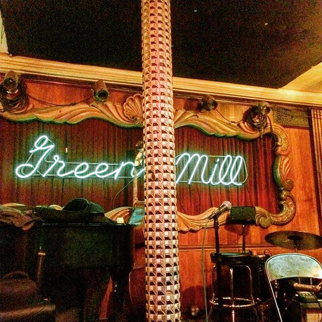 I miss some Green Mill in my life... Where anyone can become a gangster and also play jazz. Sigh... #thedream #greenmill #chicago #amiagangsternowmom? #livejazz #takemeback #fiddlercouldgetit #fathertimegoesontour