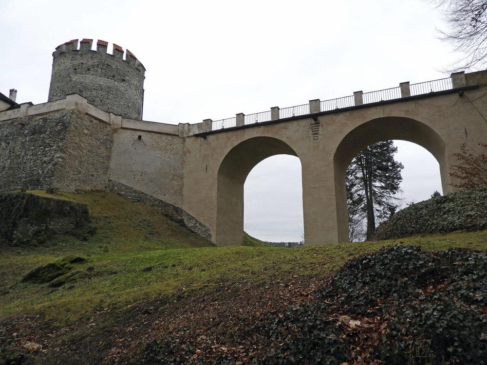 czech-cesky-sternberk-castle-bridge.jpg