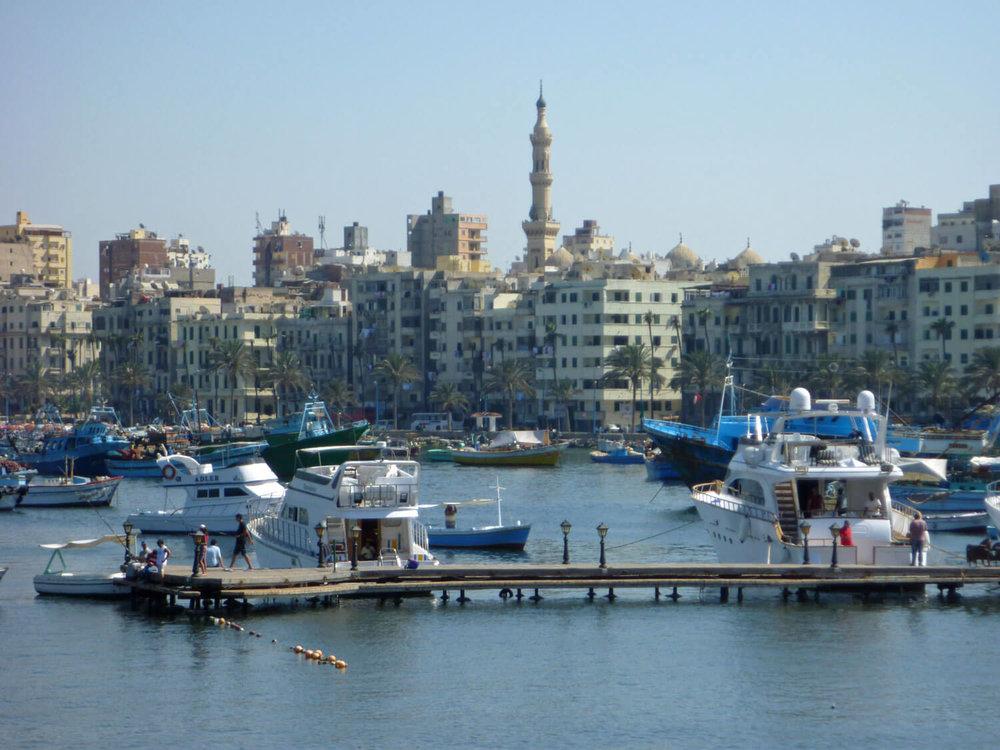 egypt-alexandria-harbor-boats-kornish-qornish.jpg