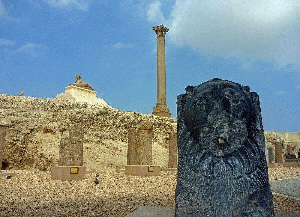 egypt-alexandria-pompeys-pillar-ruins-archeology.jpg
