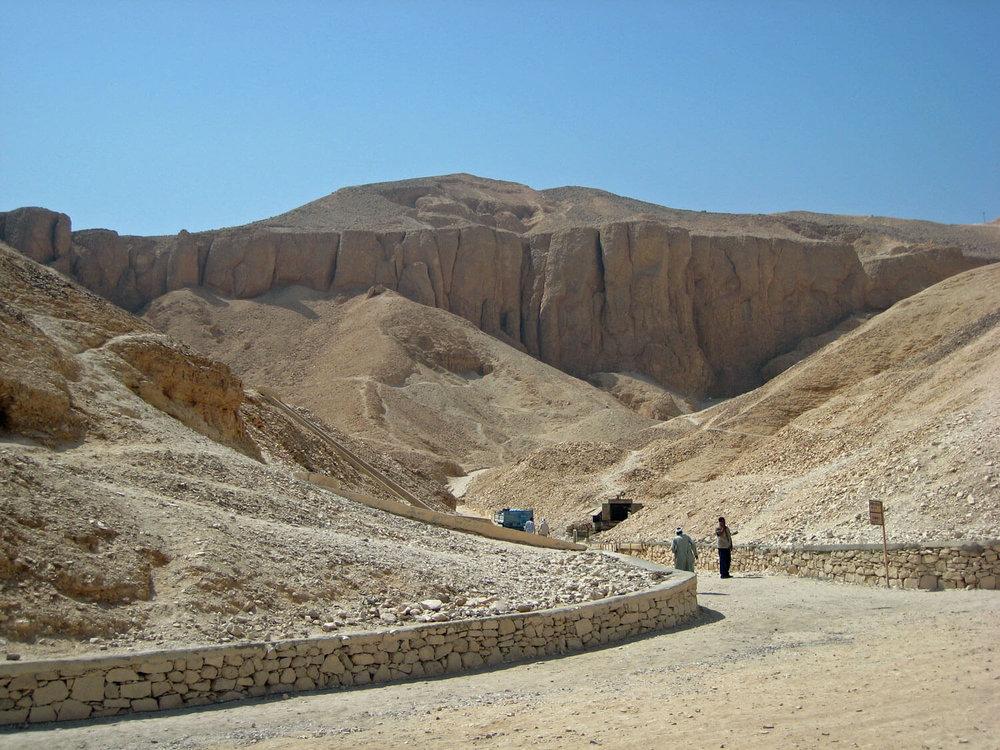 egypt-luxor-valley-gods-king-tut-tutankhamun-tomb.jpg