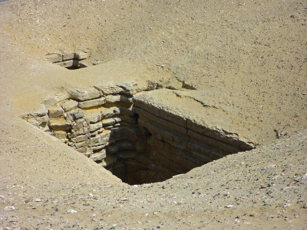 egypt-cairo-sakkara-tomb-entrance-sand-desert.jpg