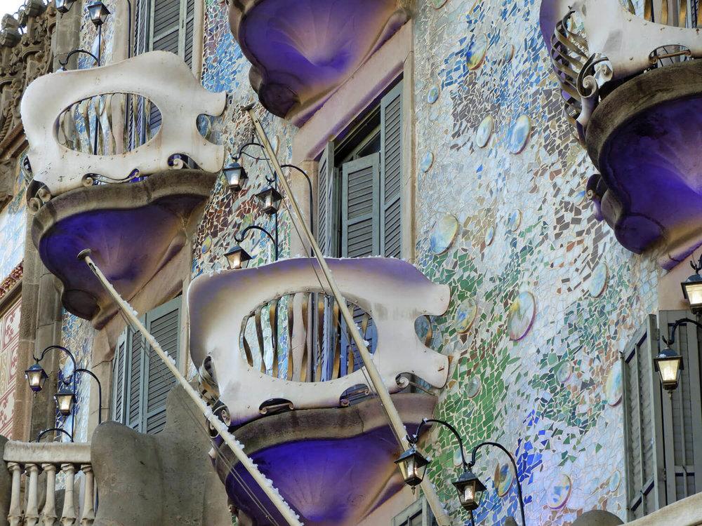 spain-barcelona-batllo-veranda-exterior.jpg