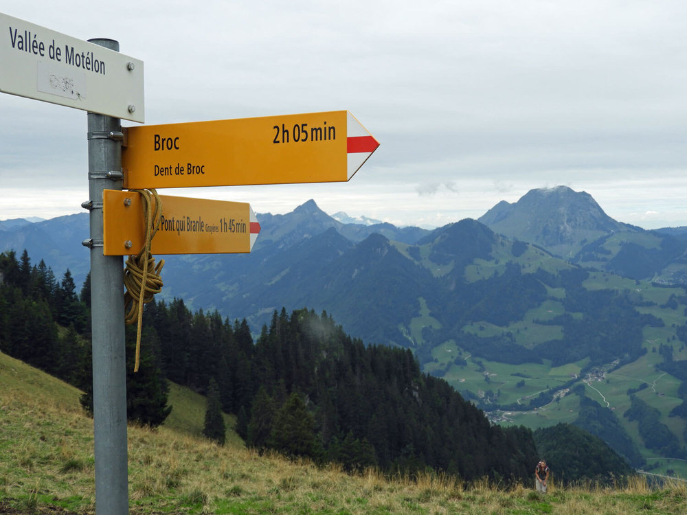 switzerland-gruyere-dent-du-broc-sign-hike-green.jpg