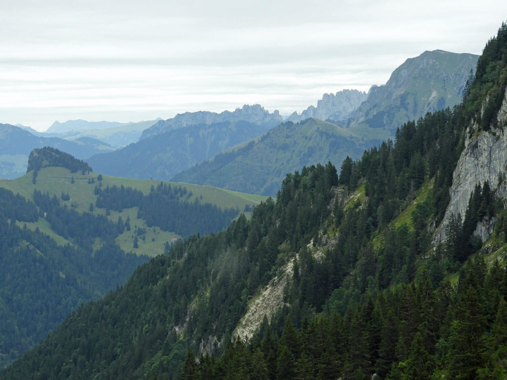 switzerland-gruyere-hike-mountains-dent-du-broc-peak.jpg