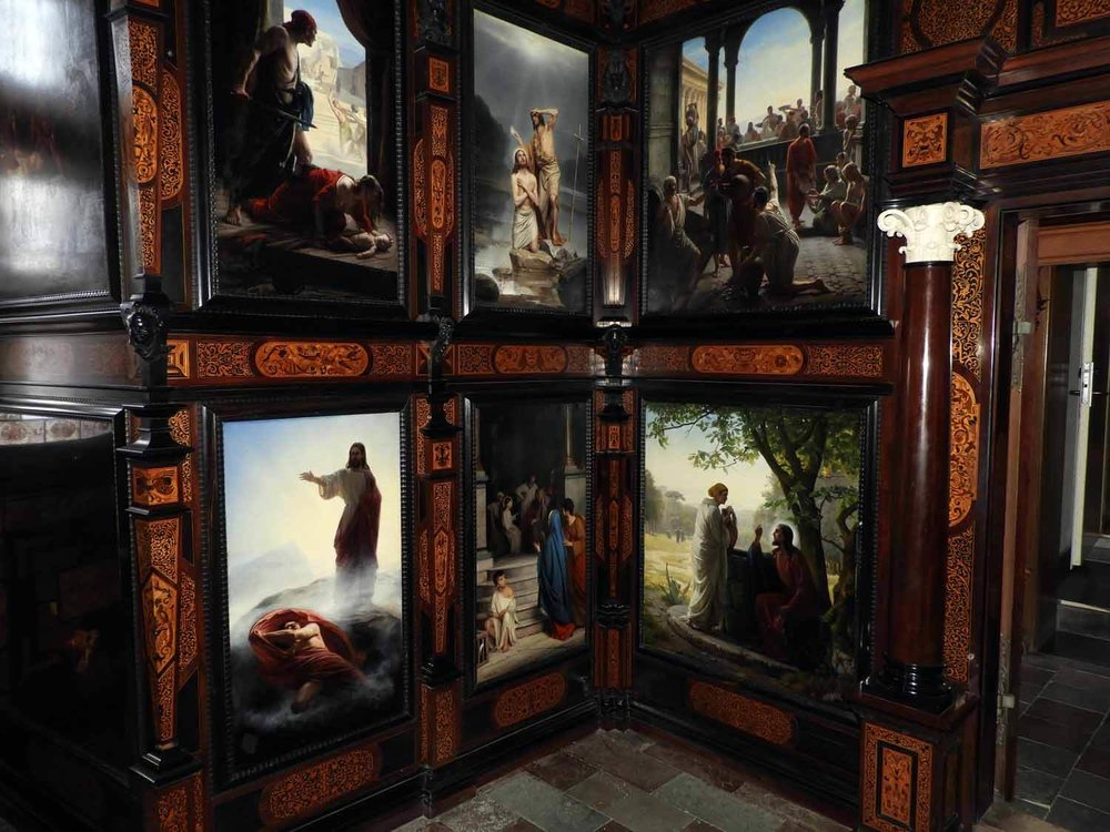 denmark-frederiksborg-slot-castle-chapel-kings-oratory-carl-bloch-painting-jesus-christ-ressurection-cross-angel.JPG