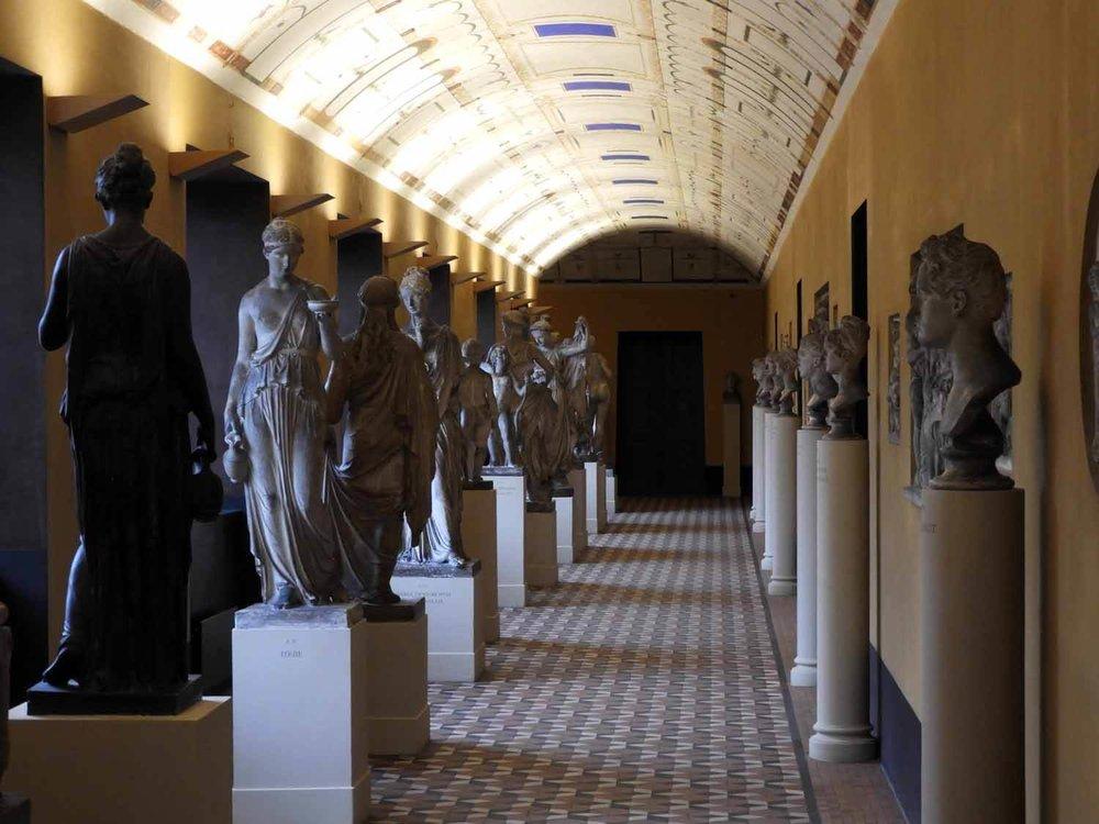 denmark-copenhagen-thorvaldsen-museum-hall-marble-statues-carved-stone.JPG