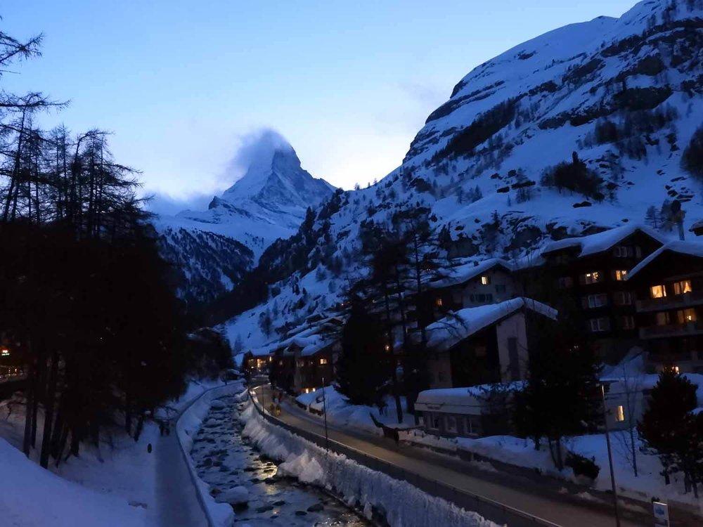 switzerland_zermatt_winter_snow_skiing_snowboarding _matterhorn_nighttime_evening_sunset.JPG