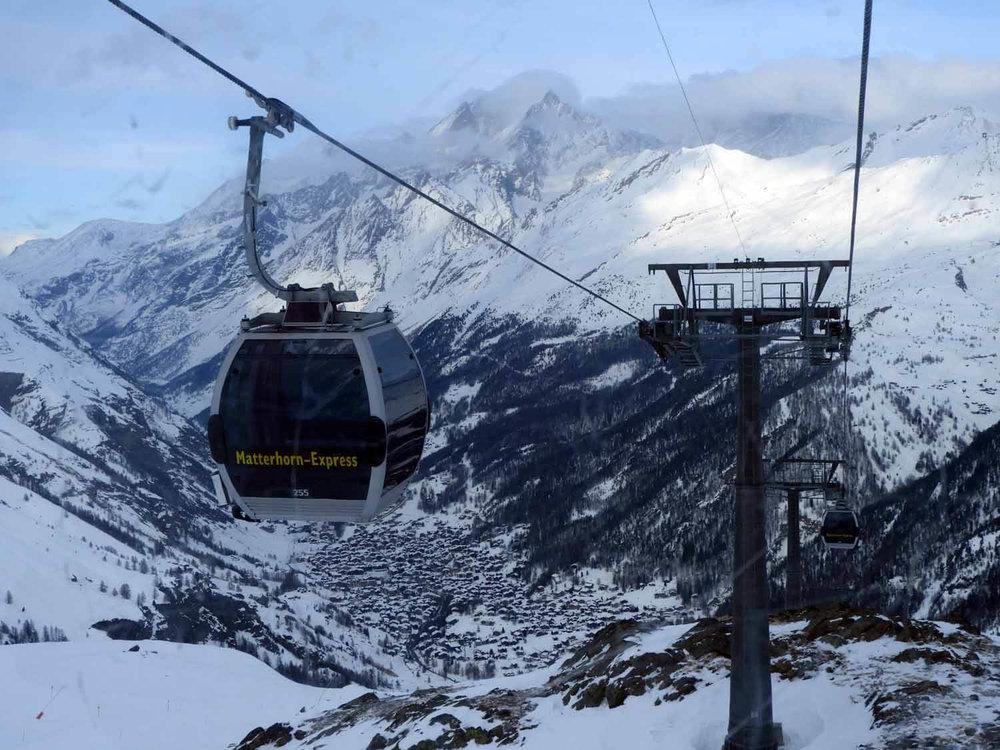 switzerland_zermatt_winter_snow_skiing_snowboarding _matterhorn_express_lift_cable_car.JPG
