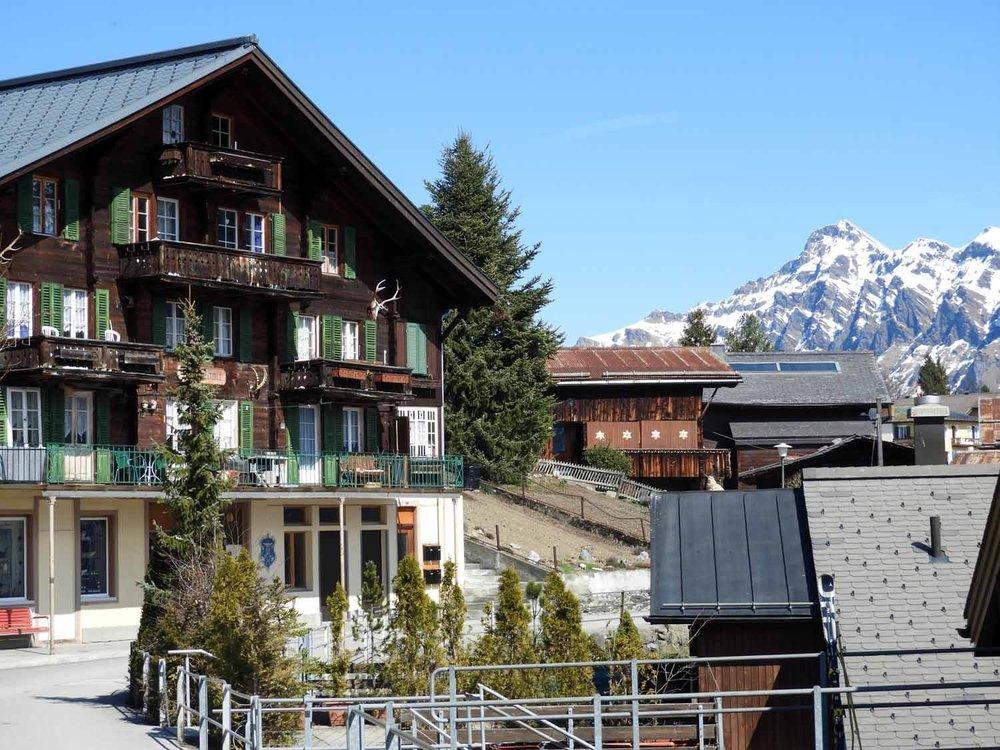 switzerland_murren_winter_sledding_snow_sledge_lodge_hotel_alps_mountains_swiss.JPG