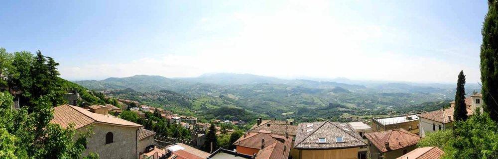 san-marino-micro-nation-pano-italy-view.jpg