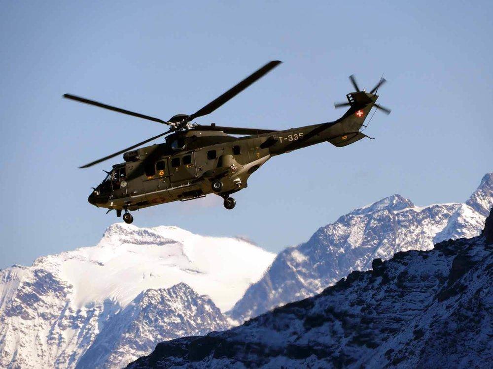 switzerland-axalp-swiss-air-force-super-puma-helicopter (10).jpg