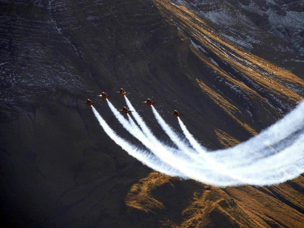 switzerland-axalp-f5-patrouille-suisse-swiss-air-force (21).jpg