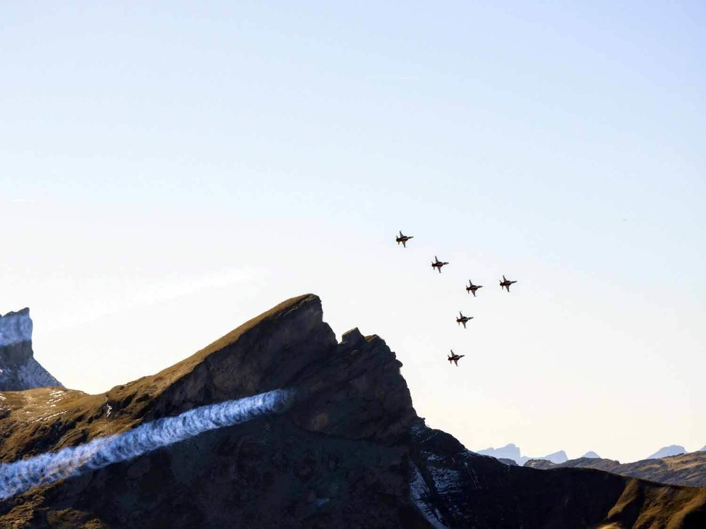 switzerland-axalp-f5-patrouille-suisse-swiss-demo-air-force-team-formation.jpg