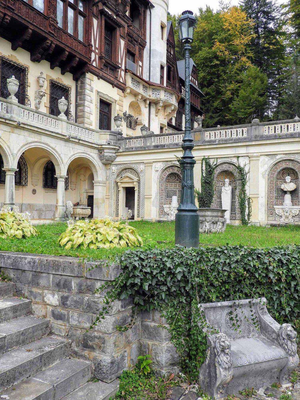 romania-sinaia-peles-castle (7).jpg