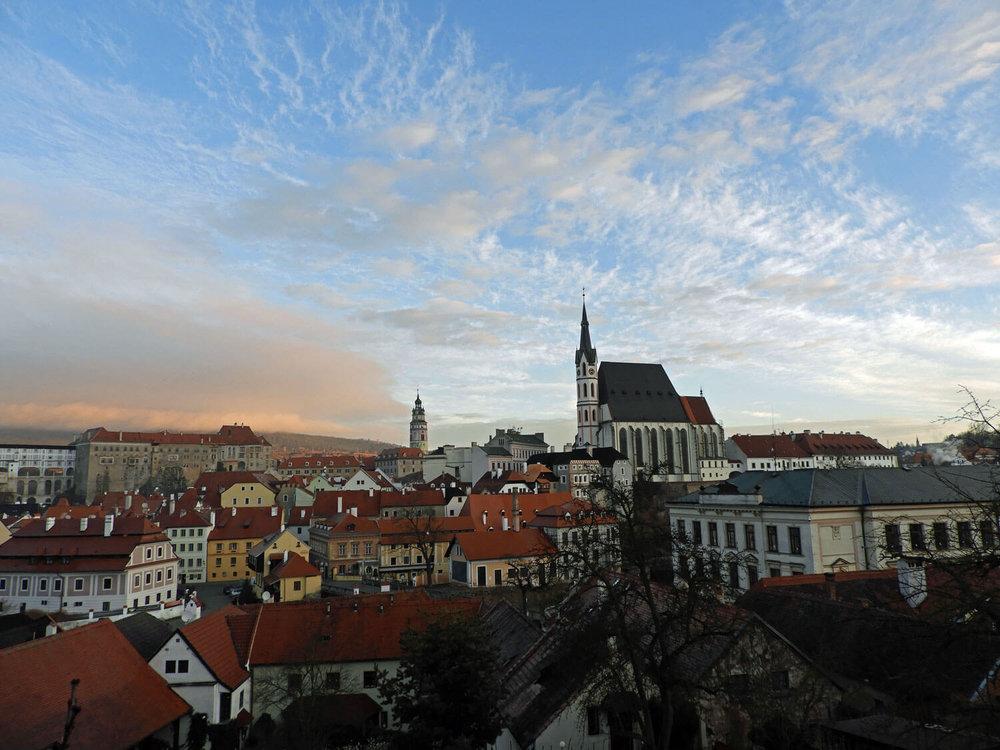 czech-cesky-city-church-town-sunrise-morning-sky.jpg.jpg