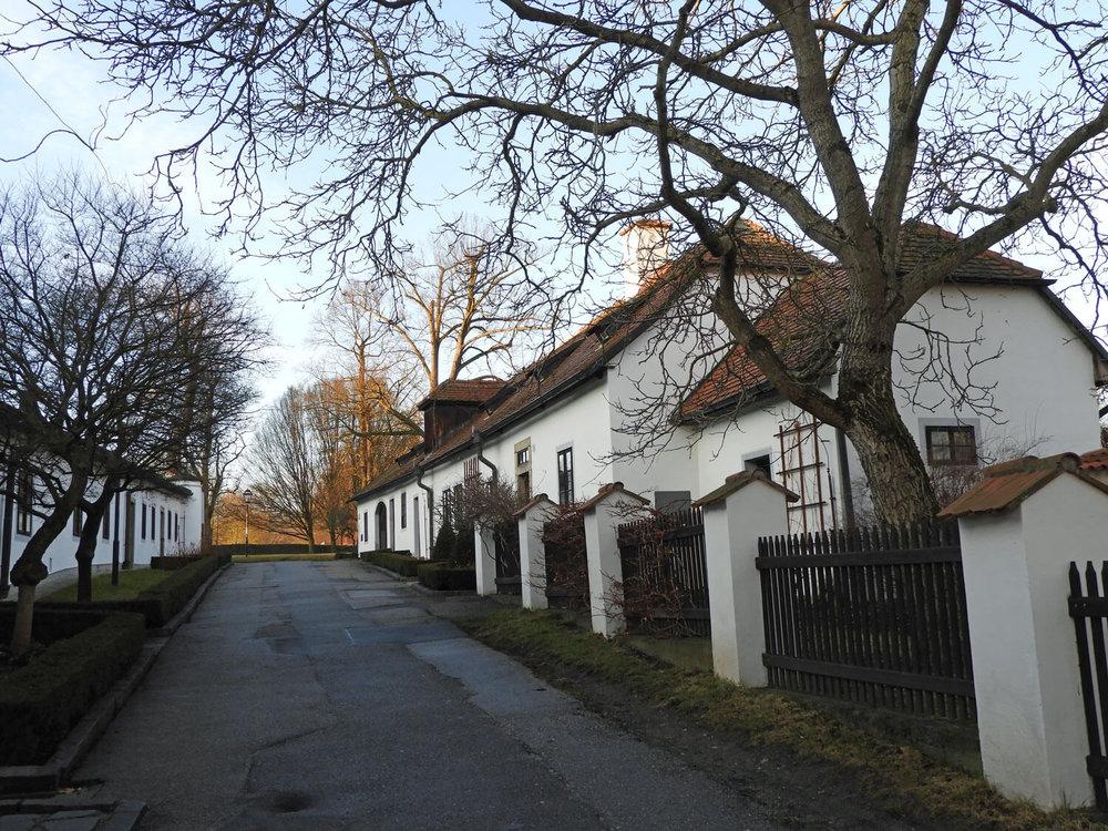 czech-cesky-cottage-street-white-house.jpg