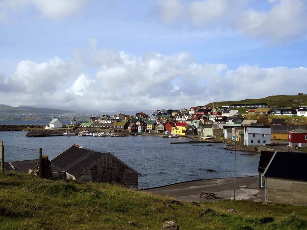 denmark-faroe-islands-nolsoy-village-harbor-bench.JPG