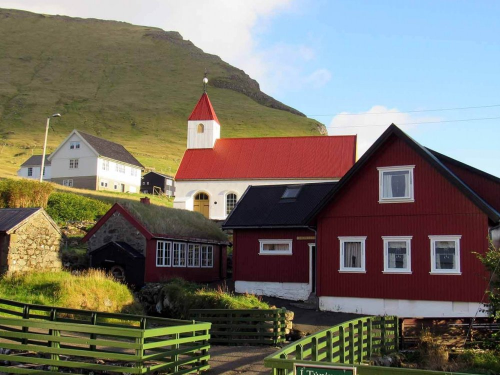 denmark-faroe-islands-kalsoy-mikladalur-village-red-roof-church.JPG