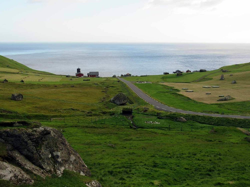 denmark-faroe-islands-kalsoy-trollanes-village-end-road-kallur-lighthouse.JPG