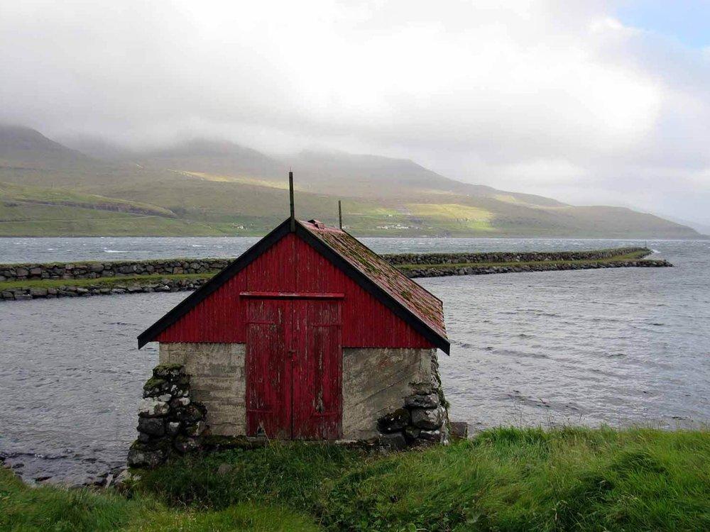 denmark-faroe-islands-streymoy-haldorsvík-red-shed.JPG