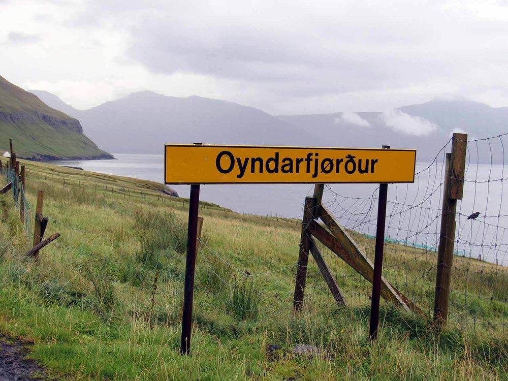 denmark-faroe-islands-eysturoy-Oyndarfjordur-street-sign.JPG