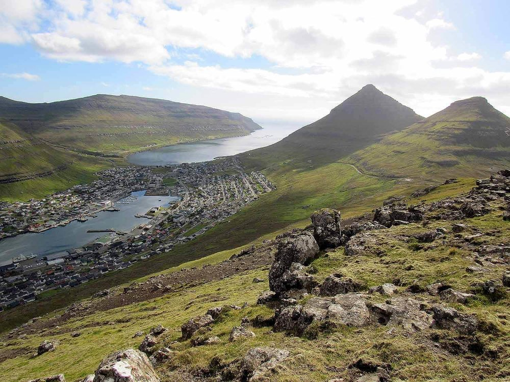 denmark-faroe-islands-bordoy-klaksvik-view-city-klakkur-peak.JPG
