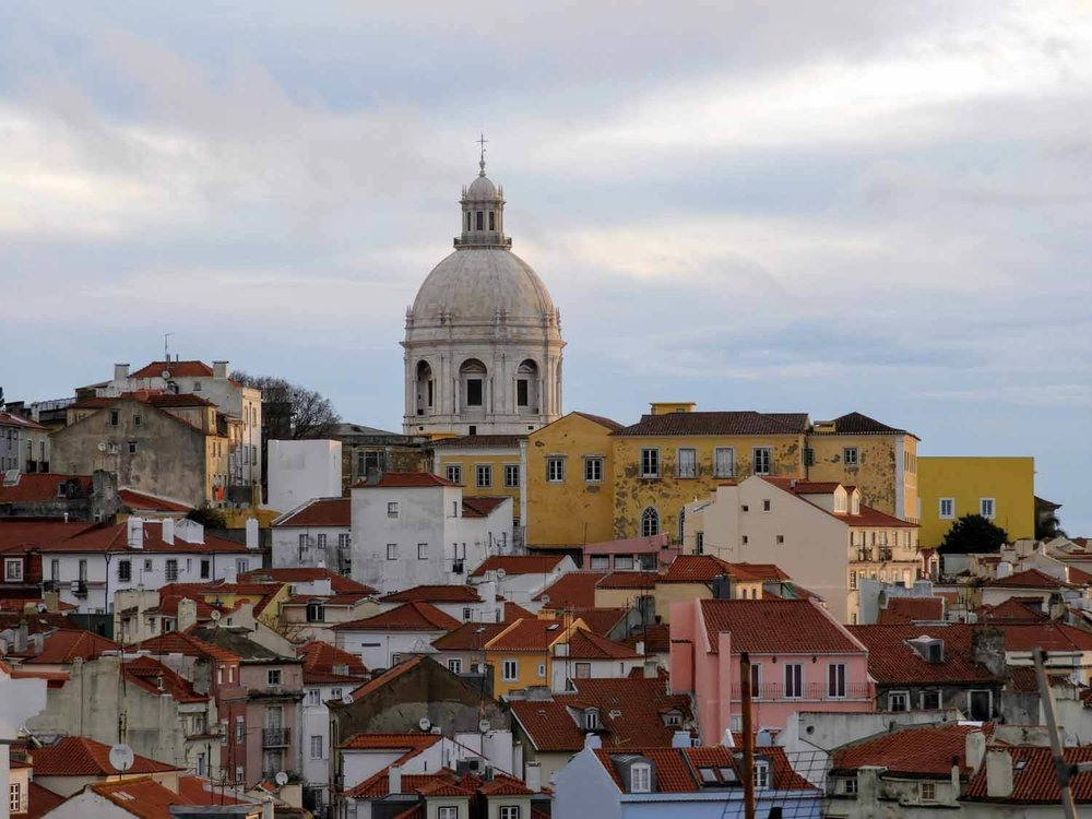 portugal-lisbon-lisboa-alfama-morning-light.jpg