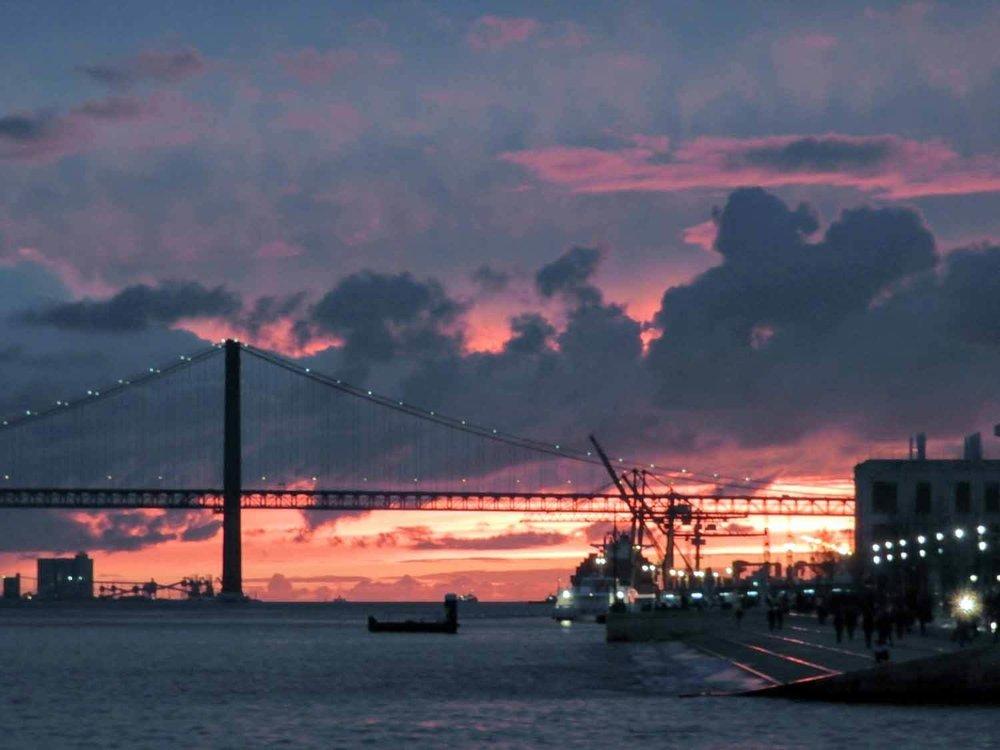 portugal-lisbon-lisboa-sunset.jpg