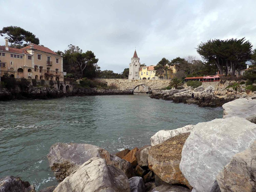 portugal-cascais-stream-harbor-bridge.JPG