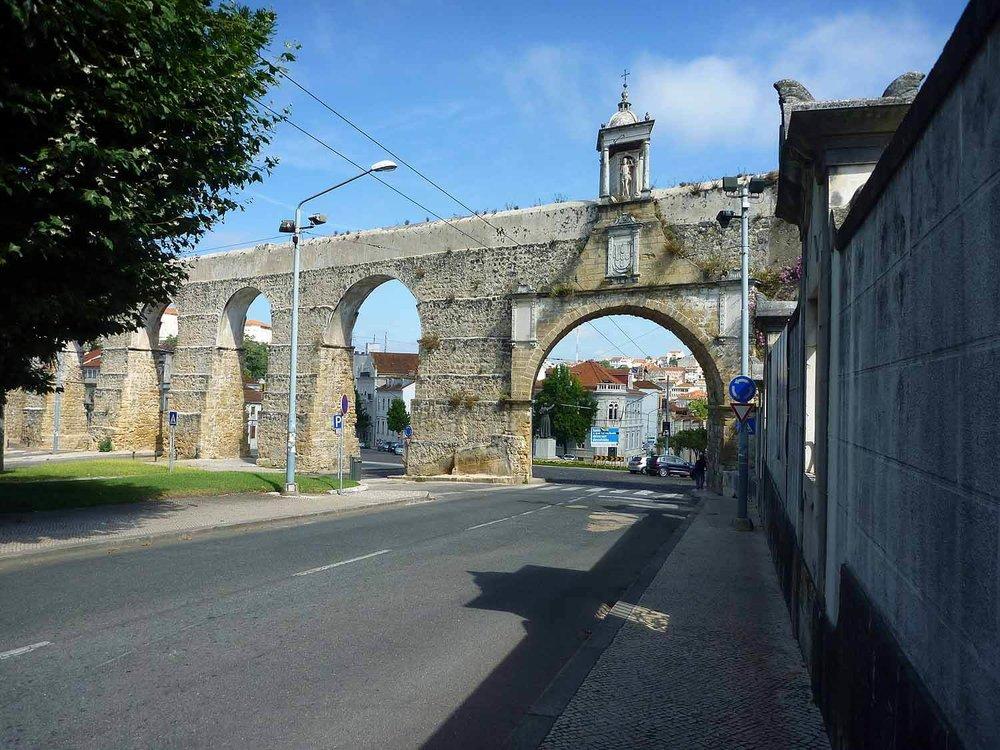 portugal-coimbra-aquaduct.JPG