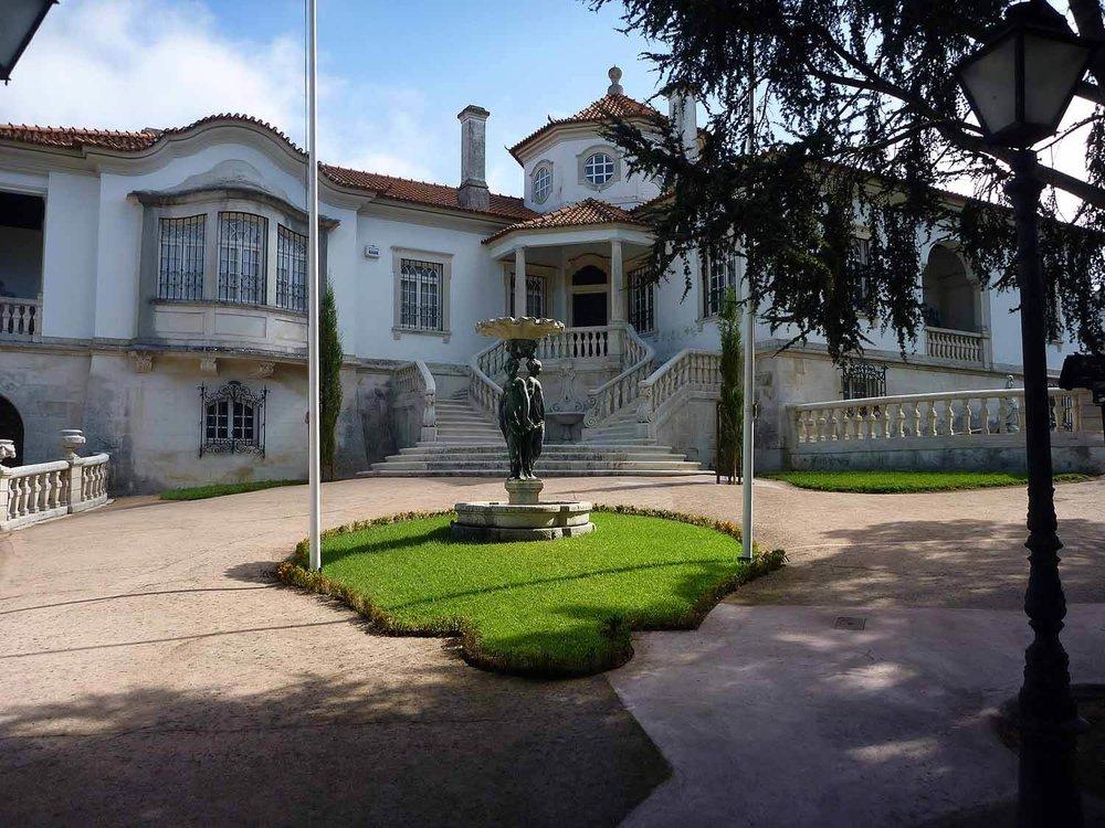 portugal-coimbra-fancy-house.JPG