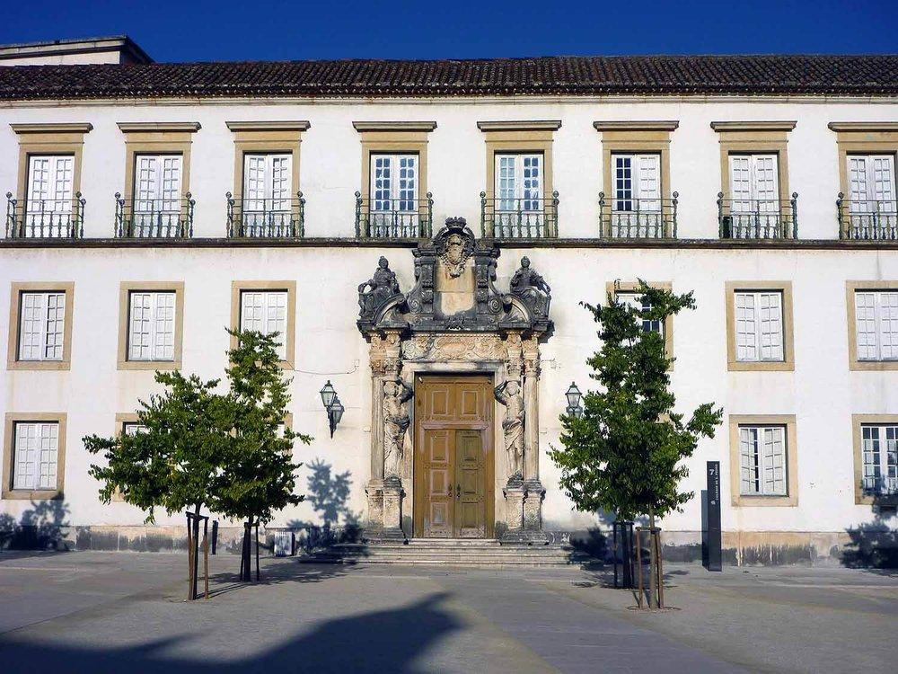 portugal-coimbra-university-universidade-door.JPG