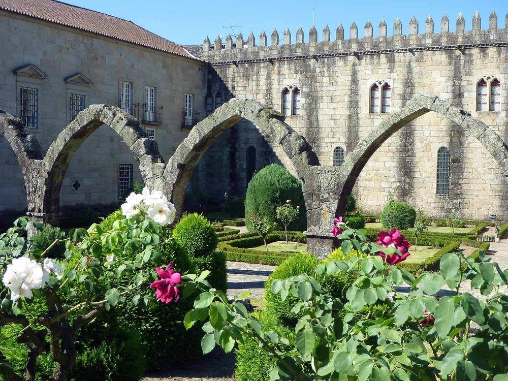 portugal-braga-stone-arches-garden-flowers.JPG
