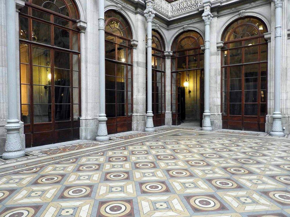 portugal-porto-oporto-palacio-da-bolsa-museum-central-floor.JPG