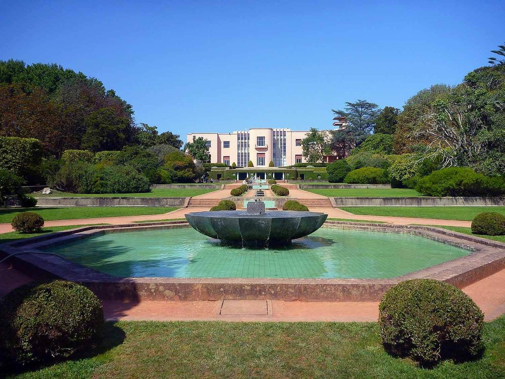 portugal-porto-oporto-museum-fundacao-foundation-serralves-fountains-formal-gardens.JPG