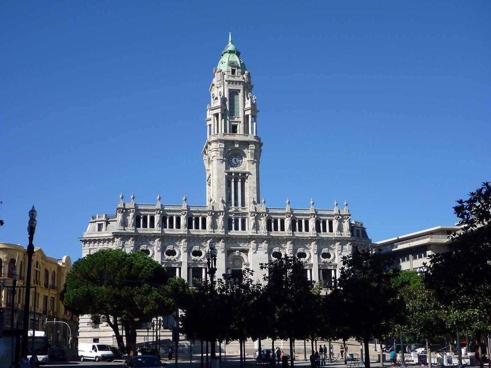 portugal-porto-oporto-camera-municipal.JPG