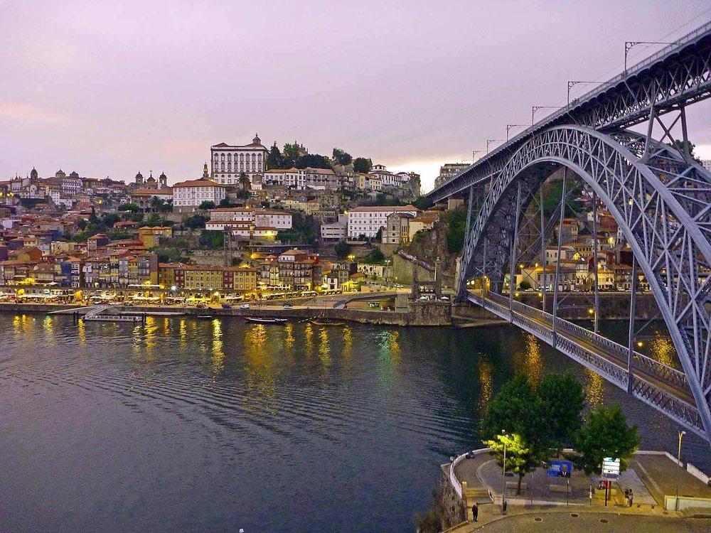 portugal-porto-oporto-douro-river-rio-ponte-bridge-don-luis-gustav-eiffel.JPG