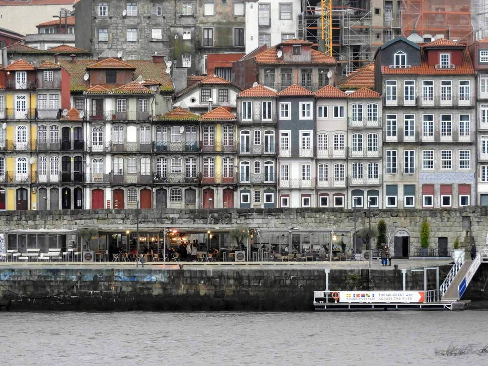 portugal-porto-oporto-riverside-apartments.jpg