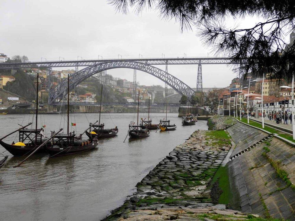 portugal-porto-oporto-gaia-wine-boats.jpg