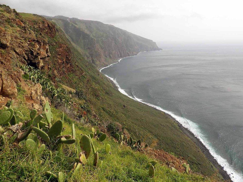 portugal-madeira-island-ponta-do-pargo-lighthouse-west-point-view-south.JPG
