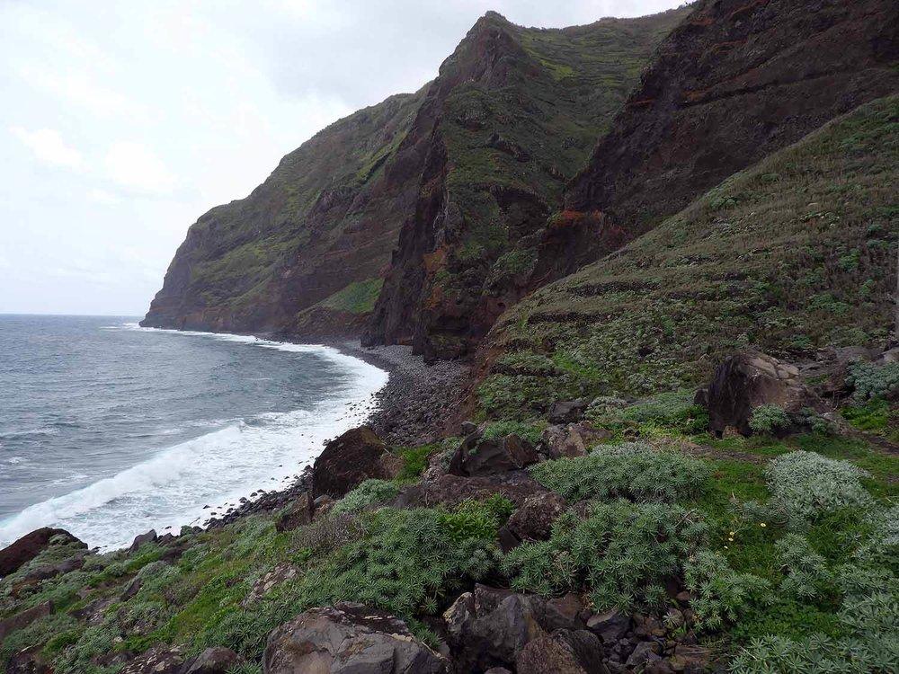 portugal-madeira-island-teleferico-achadas-da-cruz-bottom-coast.JPG