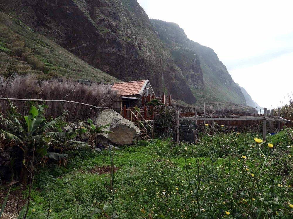 portugal-madeira-island-teleferico-achadas-da-cruz-fishing-shacks.JPG