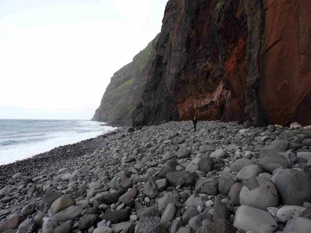 portugal-madeira-island-teleferico-achadas-da-cruz-rock-beach-shore.jpg
