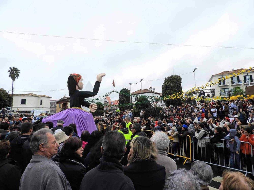 portugal-madeira-island-santana-festa-dos-compadres-children-singing-parade.jpg